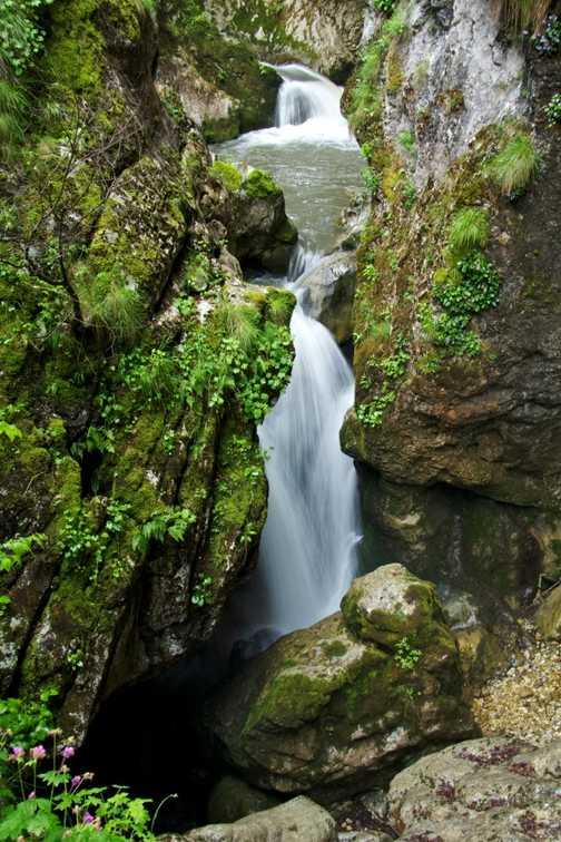 Devil's Throat Waterfall