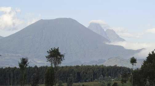 Volcanoes De Rwanda