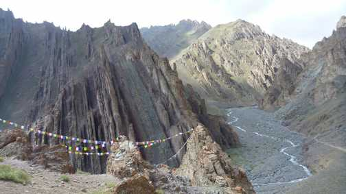 Last day of trek: descent to Stok village