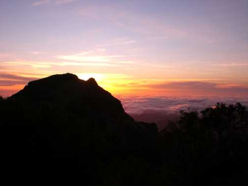 sun rise from Pico Ruivo 2