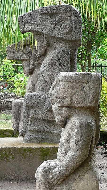 Pre-Columbian statues