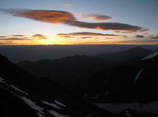 Sunrise from the Stok Kangri ridge