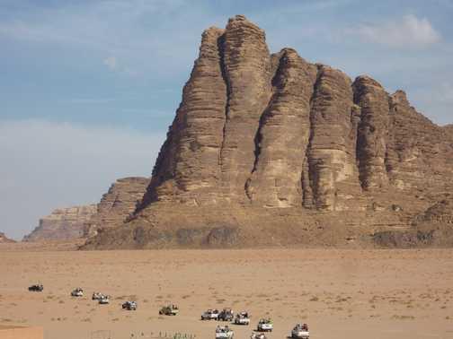 CARavan in Wadi Rum