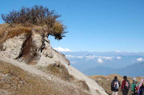 A wave breaks over Everest, Singalila Ridge to Phalut