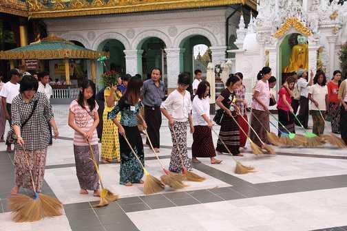 Keeping Shwedagon Paya, Yangon, clean
