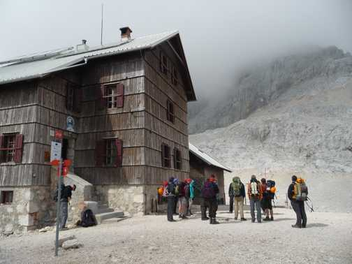 Day 4 - Arriving at Dom Planika but now we have to await for the weather to clear up