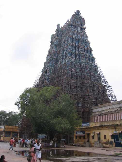 Meenakshi-Sundareshwarar temple in Madurai