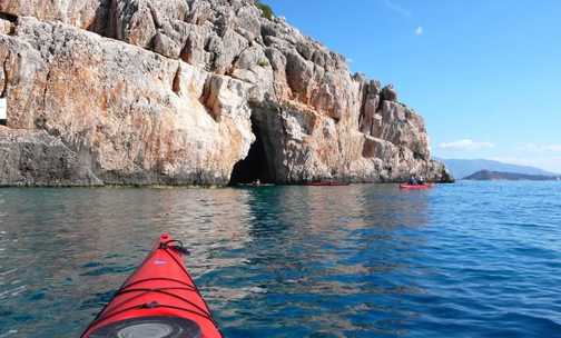 kayaking to the priate cave