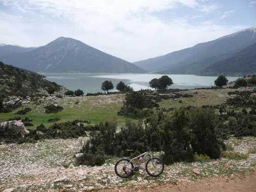 Avlan Lake