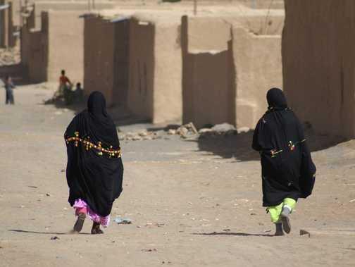 Saharan women