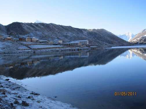 Gokyo lake early morning