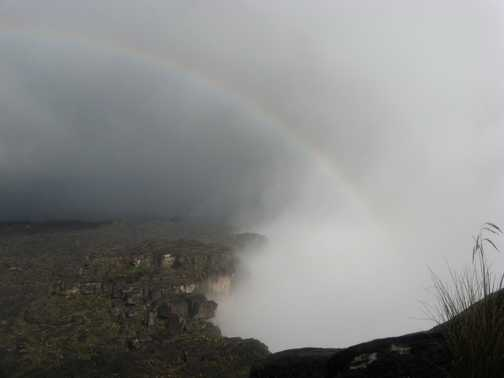 Rainbow over the cliff edge of Roraima