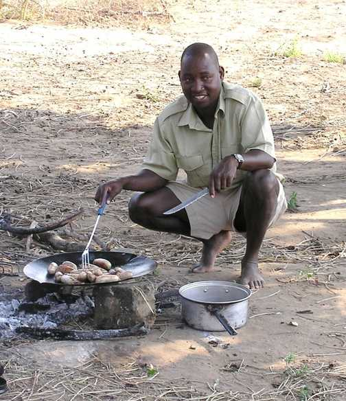 Our guide cooks breakfast