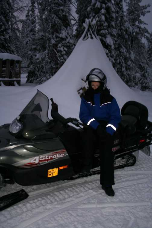 4-hour Snowmobile trip - lunchstop