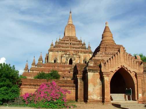 Shwezigon Temple, Bagan