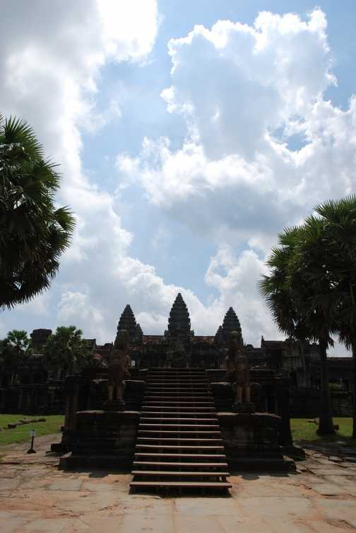 Angkor Wat inside main walkway