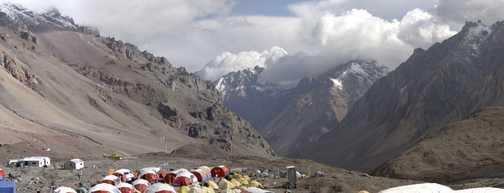 Base Camp , Plaza de Mulas (4350m) , Panorama 1