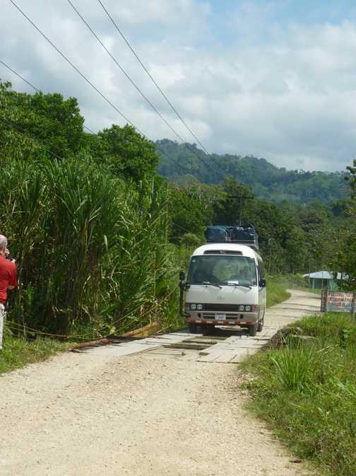 Bus crossing bridge to la Gamba