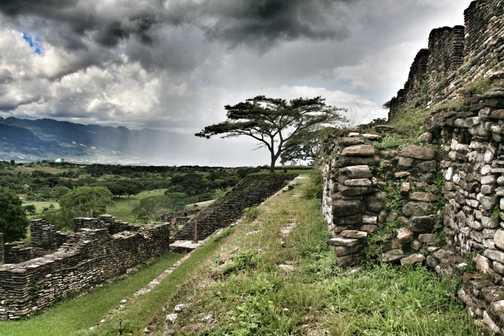 Tonina ruins