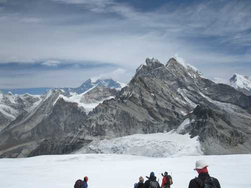 10/4 view of Everest in dist from descent from High Camp