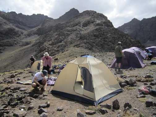 Building tents
