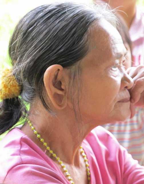 Old Penan woman