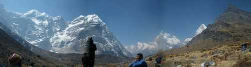 6/4 panorama of Khare valley