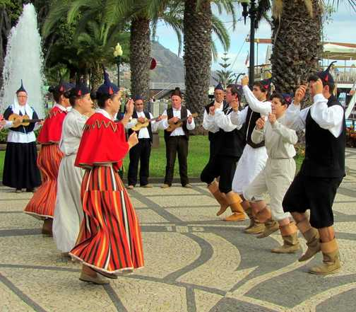 Tradional Dancers Funchal