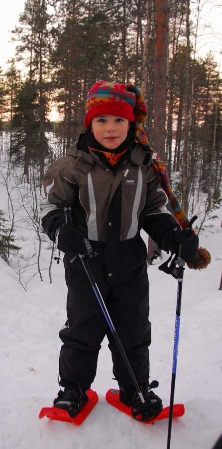snowshoeing is easy!!