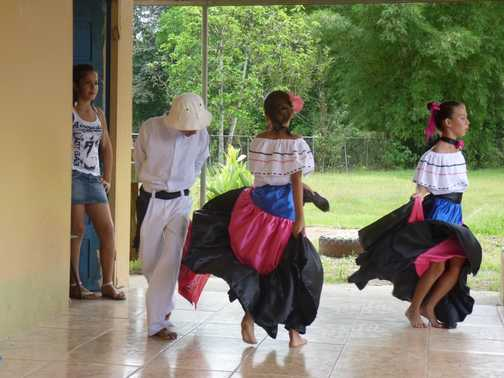 La Gamba school children presentation