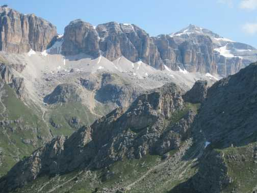 Walk 1 from Col di Rosc with views of the Marmolada