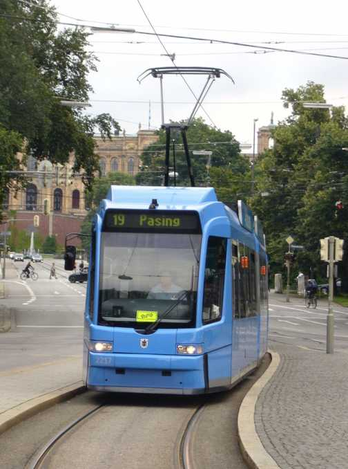 Tram at Maxmonument