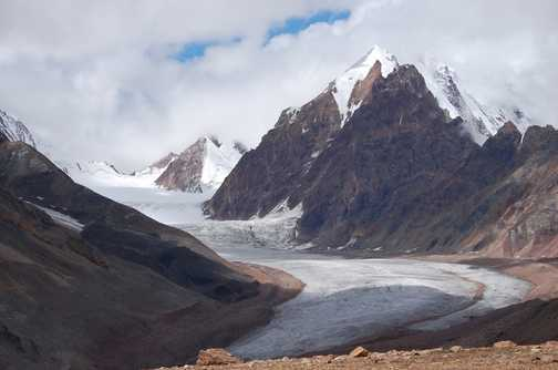 The route to Chandra Tal was cloudy and wet