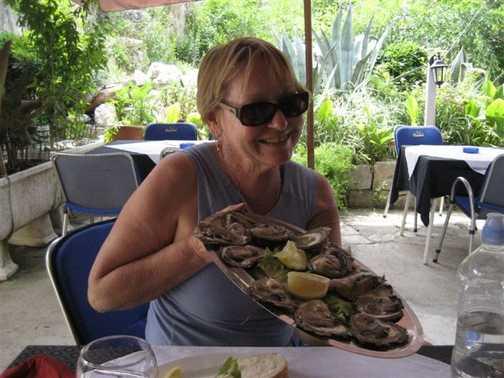 Beth enjoying her Ston oysters