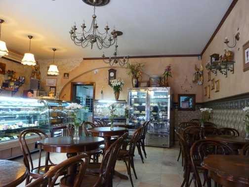 Elegant Cafe