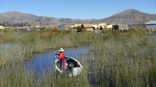 floating islands in lake titicaca