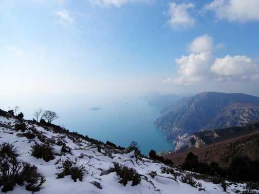 Snow and Sea view - Monte Tre Calli