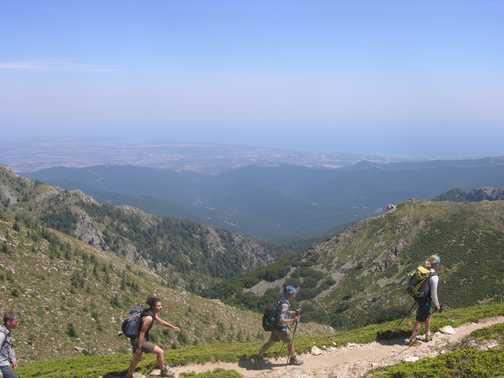 Chain climbing on Col de Bavella