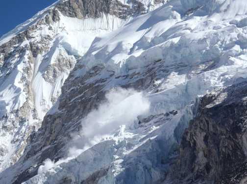An avalanche on Nupste, near Base Camp