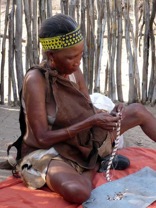 Making ostrich shell jewelry - Kalahari