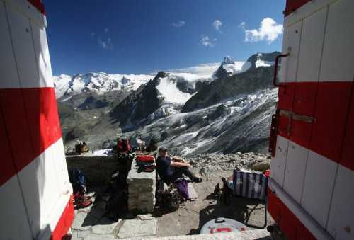 Room with a view - Rothorn Hut