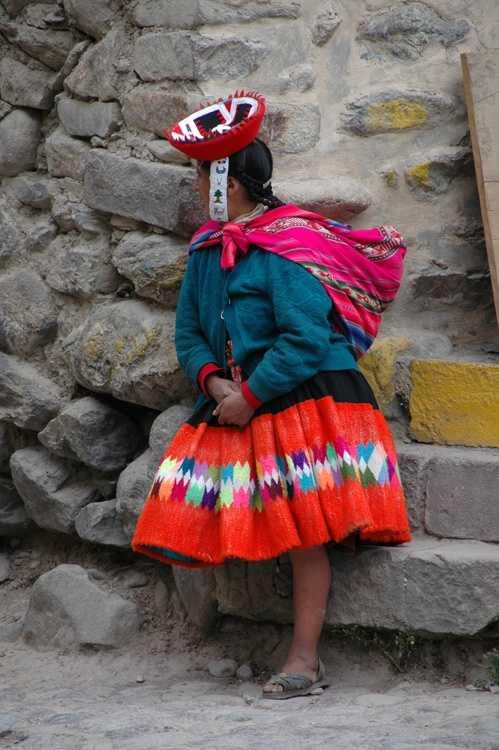 Woman in Ollantaytambo