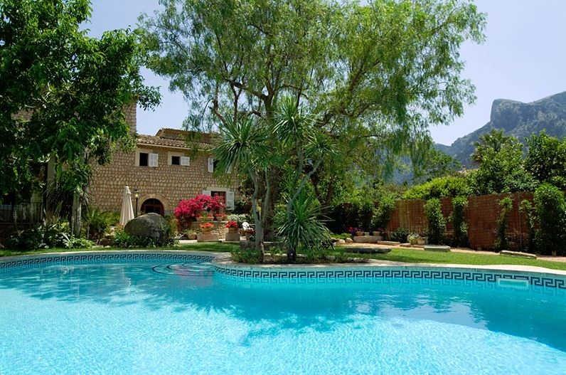 Finca C'an Quatre Pool View