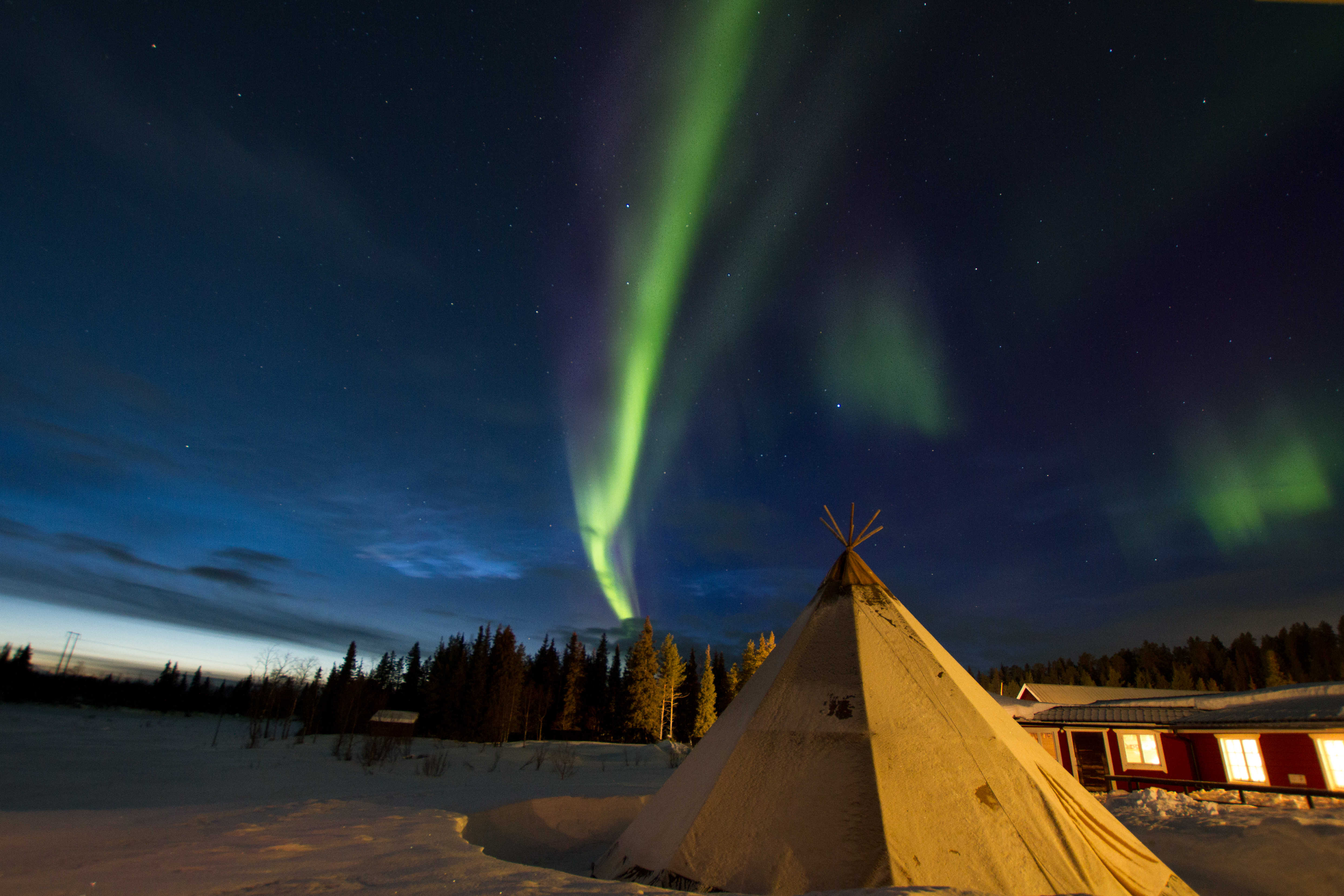 Sami tent and Northern Lights