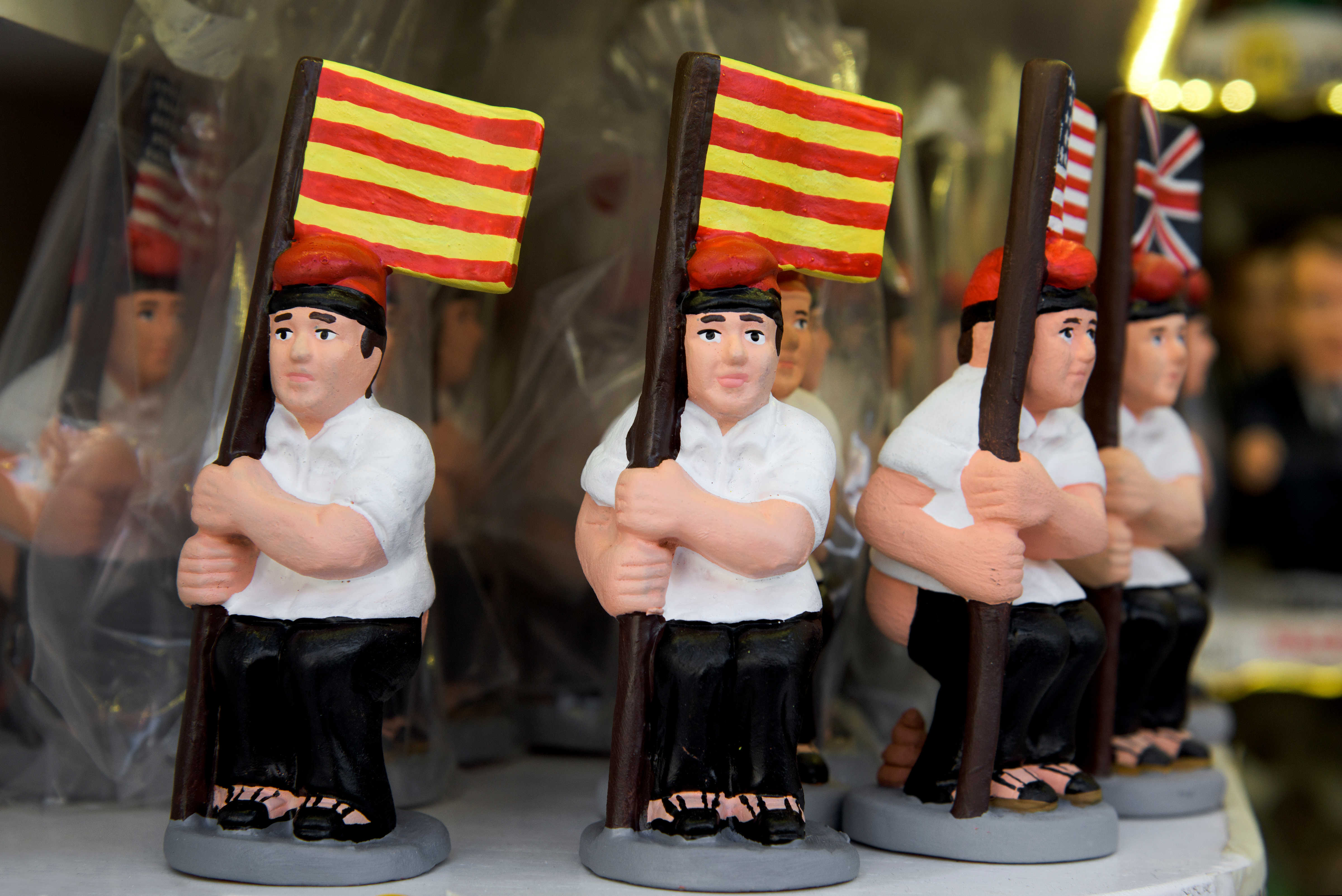 El Caganer figurines, Alternative Christmas Traditions